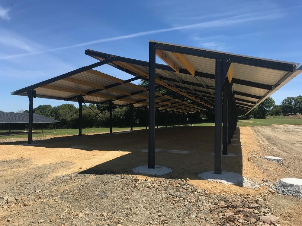 Concept de batiment de stockage par l'entreprise Dugué avec opportunité d'intégration de panneaux photovoltaïques.