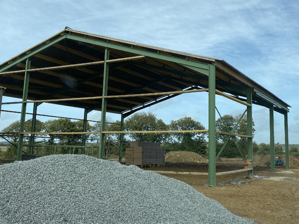 Construction de bâtiment de stockage par Dugué permettant de stocker fourrages, matériels…